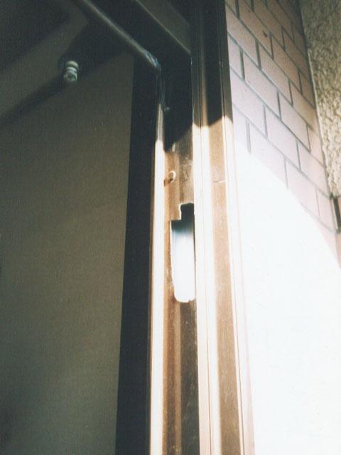 玄関サッシ入替中4