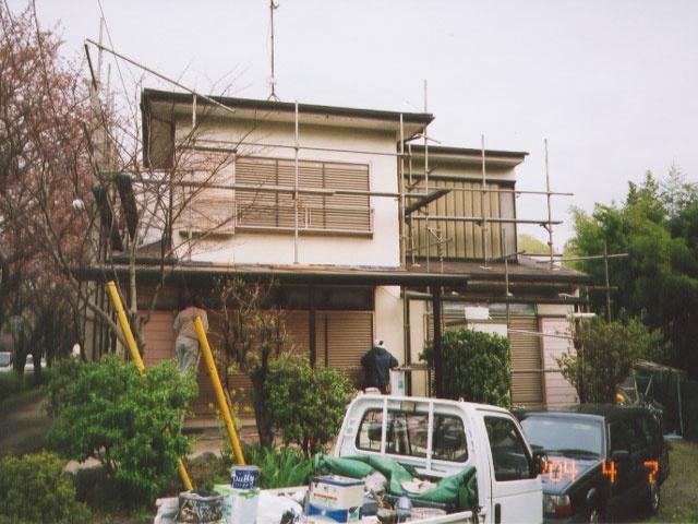 屋根外壁塗装中1