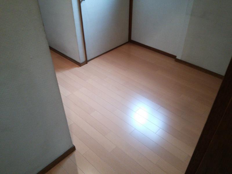 床貼り後 - 廊下1