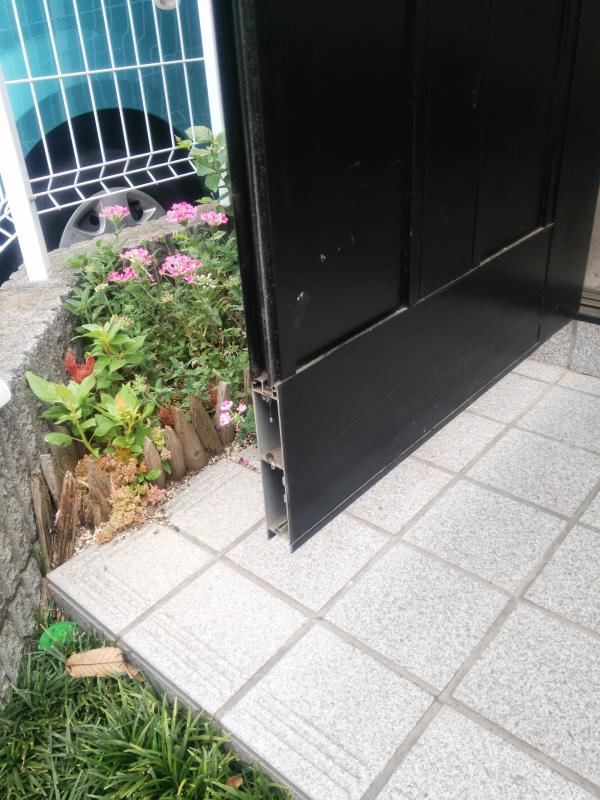 玄関ドア修理前2