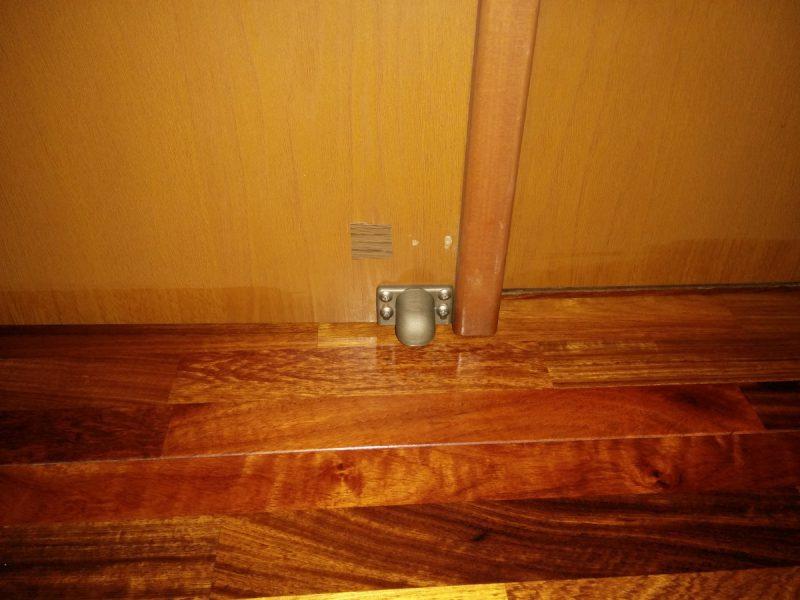 ドアストッパーマグネットタイプドア側