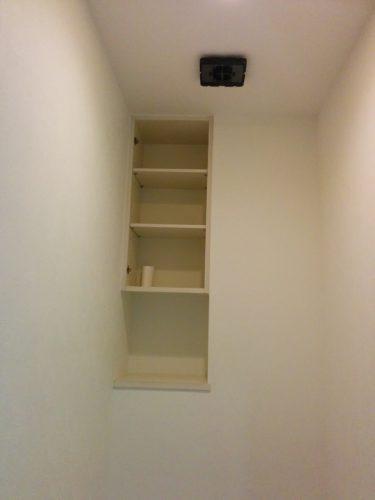 トイレリフォーム中 内装工事完了2