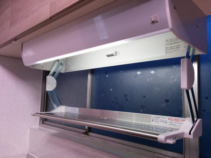 ラクエラスライド収納プラン設置後-アイエリアボックス水切りタイプ照明付き2
