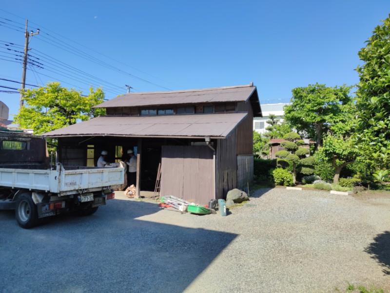 建っていた物置兼車庫2