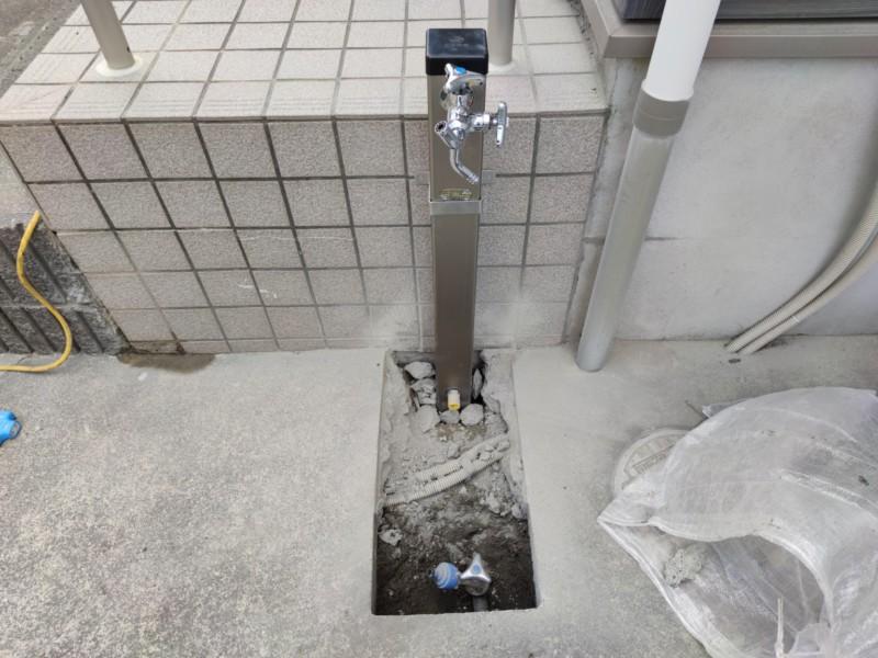 立水栓へ交換中