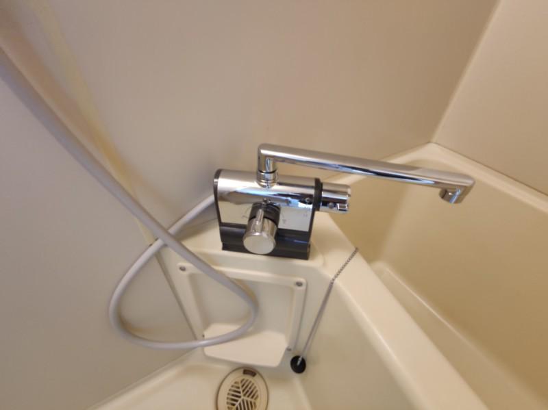 シャワー水栓をサーモ水栓へ交換しました