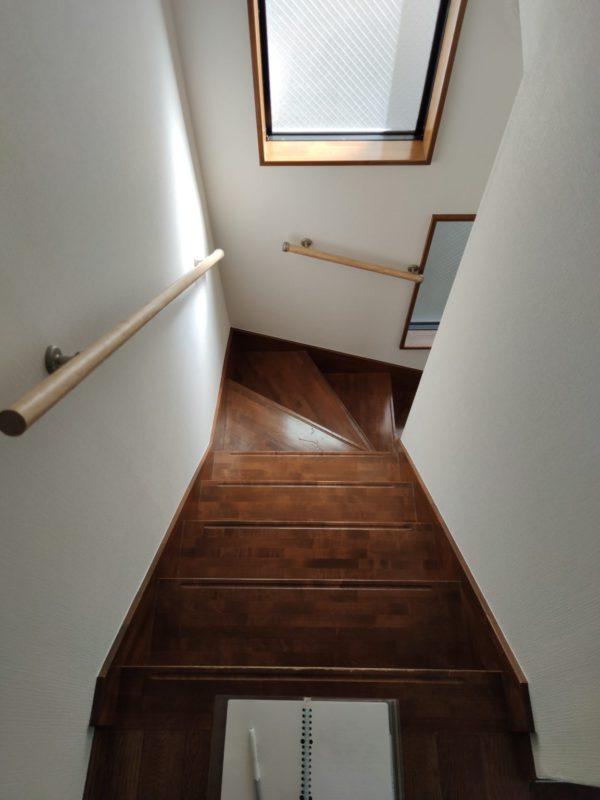 階段手すり設置前