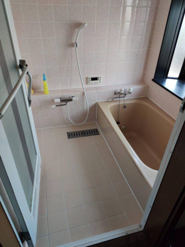上鶴間グループホーム浴室手すり設置前