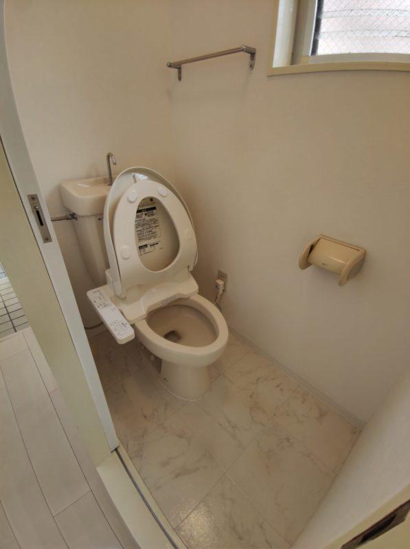 YF106トイレ