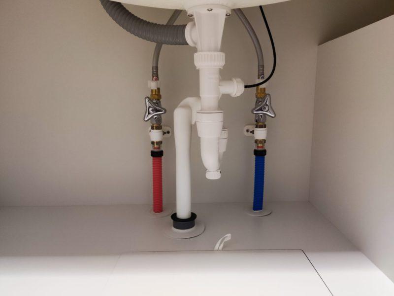 洗面水栓交換前